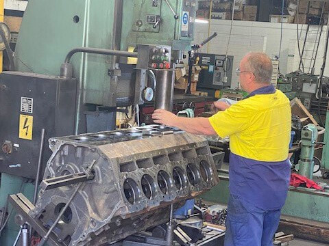Truck-engine-reconditioning-in-Adelaide.jpg