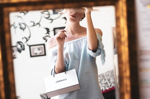 Here, in this post, Health and fista listed 5 style tips for women/business attire essentials that you simply can mix and match to make a spread of trendy work outfits!  Check now!!- https://healthandfista.com/5-stylish-outfits-ideas-for-a-busy-working-women/