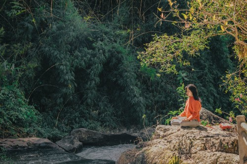 7-Easy-Ways-to-Meditate-with-a-Busy-Schedule.jpg