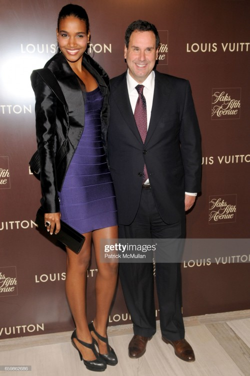 arlenis-sosa-and-steve-sadove-attend-louis-vuitton-2010-cruise-with-picture-id659862686s2048x2048.jpg